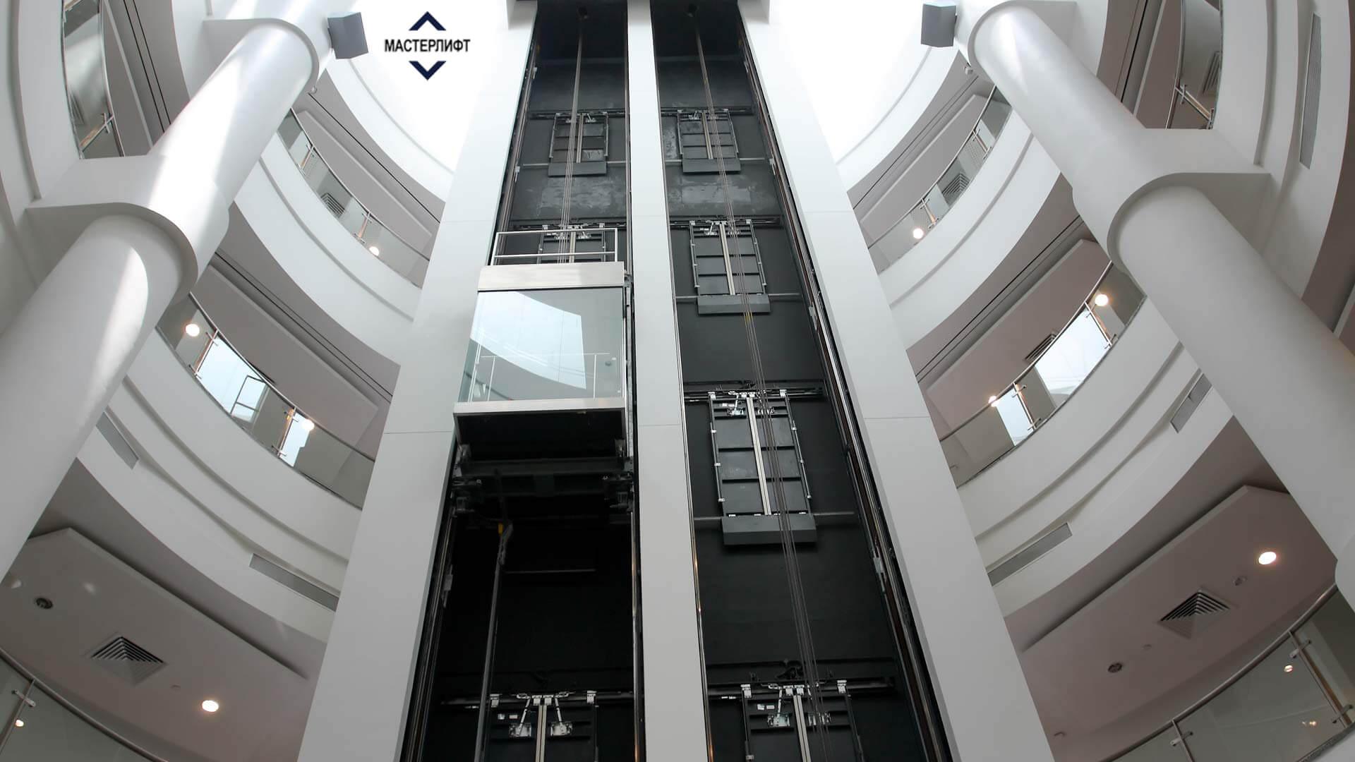 Лифт в торговом центре